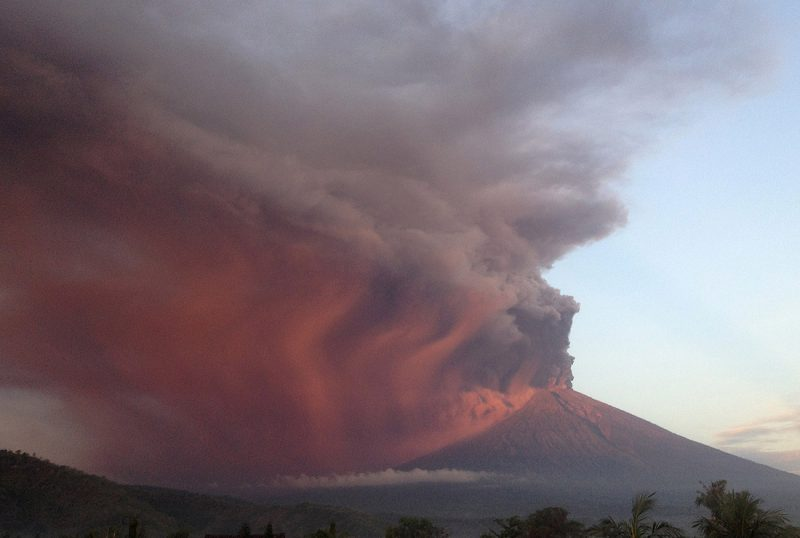 Mount Agung, Bali Furious Volcano: 150,000 Are Called on to Evacuate