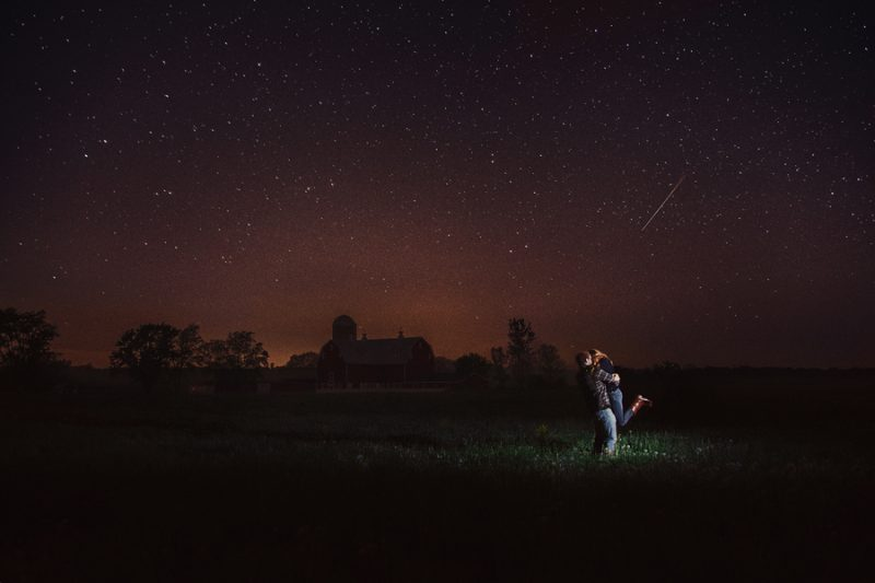 leonid-meteor-shower-picture-date-couple
