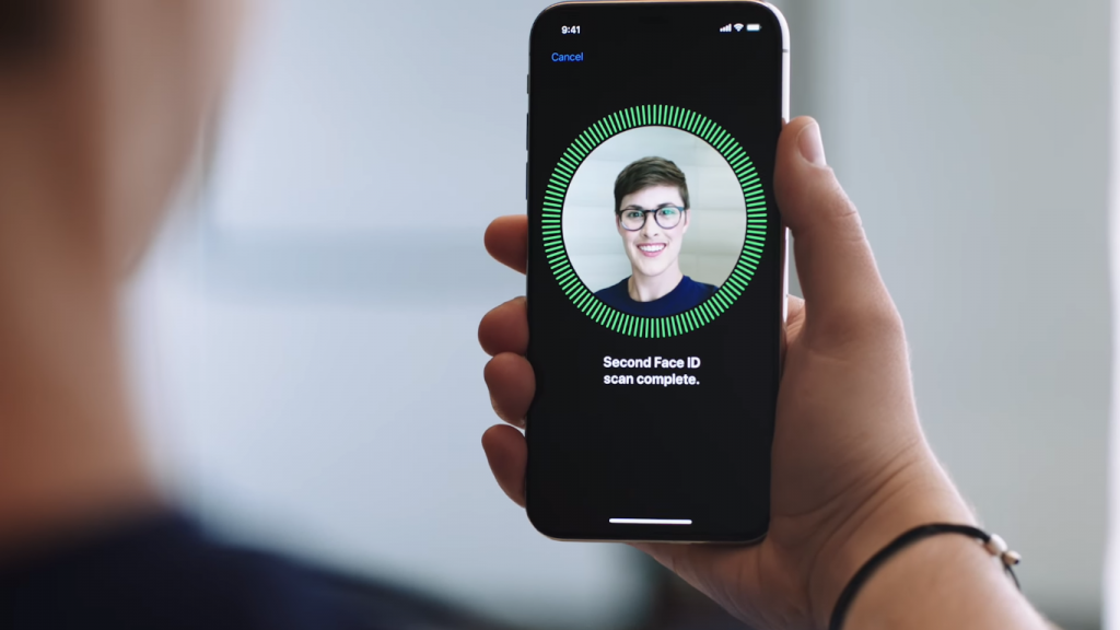 Apple-iPhone-X-facial-recognition-pic