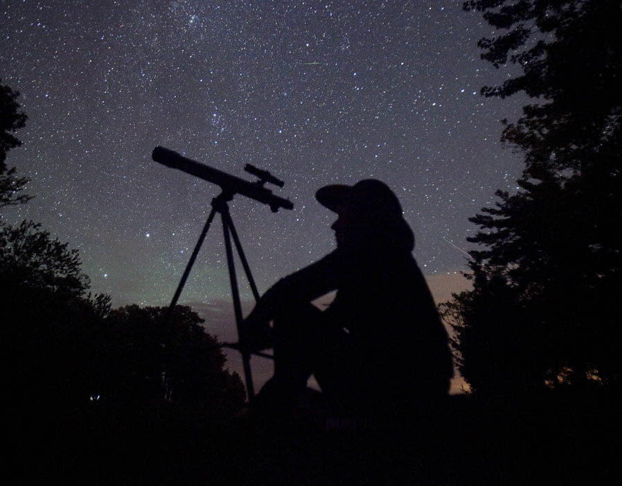 Geminid-meteor-shower-observe-photo