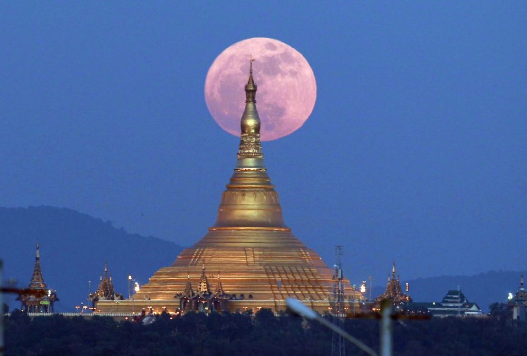 Myanmar-supermoon-2017-photo
