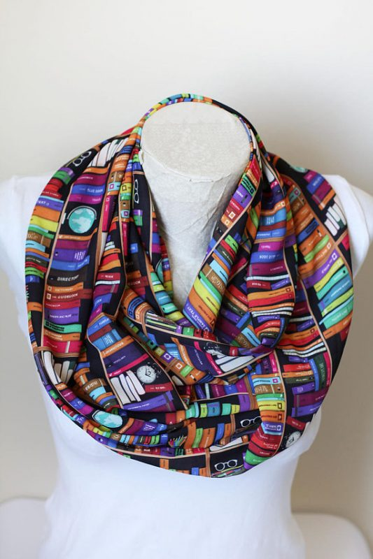 infinity-scarf-books-gift-ideas--photo