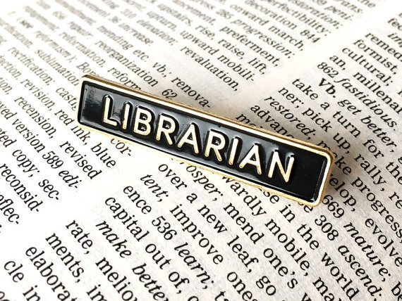 librarian-pin-badge-accessories-photo