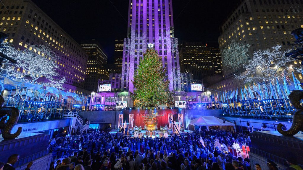 rockfeller-center-christmas-tree-pic