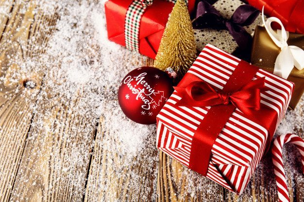 wrapped-gifts-for-christmas-photo