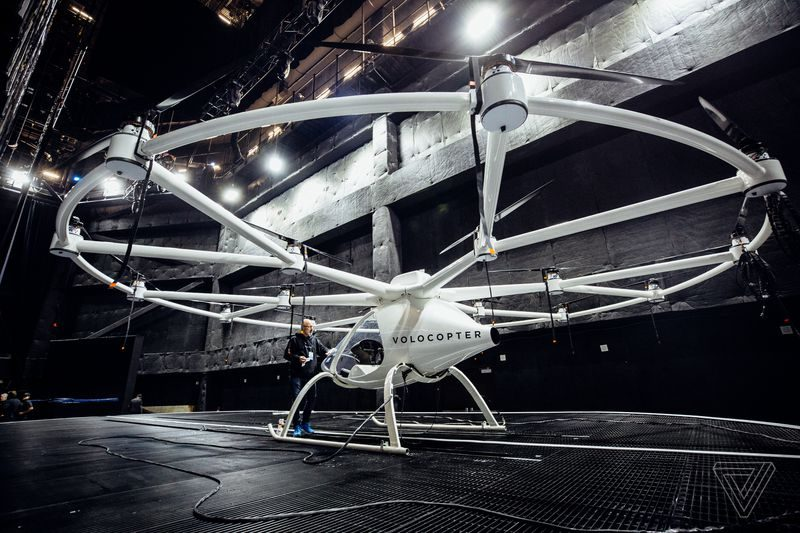ces-2018-intel-volocopter-photo
