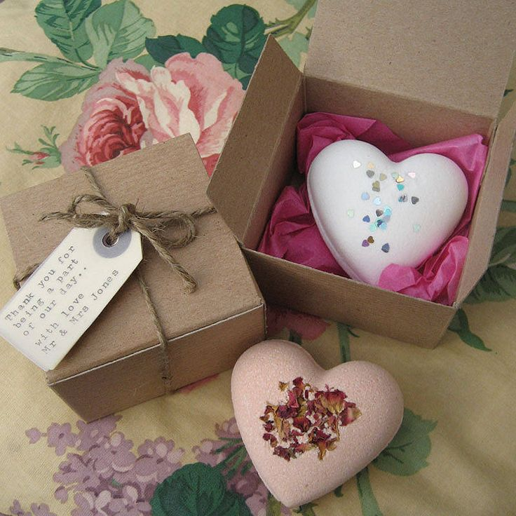 handmade-bath-bomb-in-box-photo