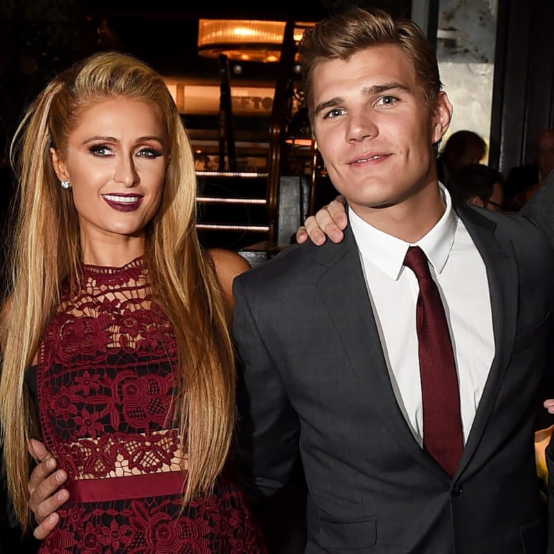 paris-hilton-chris-zylka-split-photo