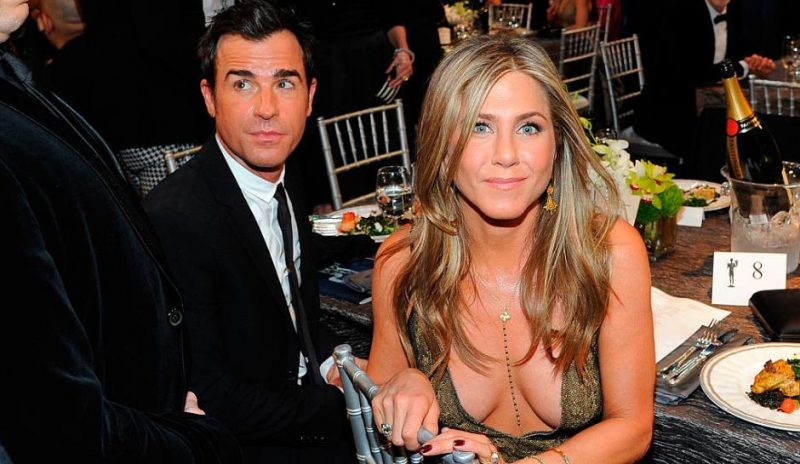 Jennifer-Aniston-divorce-photo