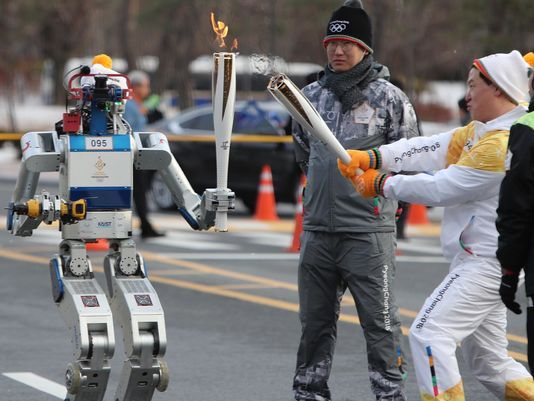 South-Korea-Pyeongchang-Olympics-Flame-robot-photo