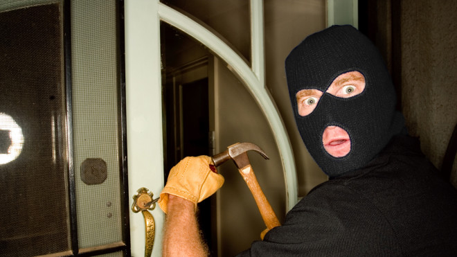5 TOP Dumbest Burglars Ever - How Could They Be Such Losers? (VIDEO)