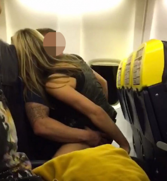 couple-sex-ryanair-photo