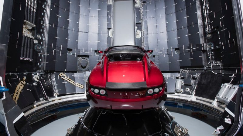 tesla-falcon-heavy-photo