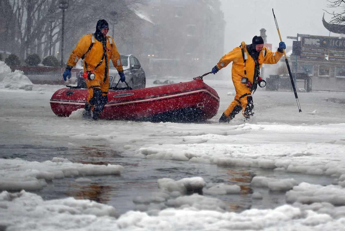 Boston_ice_floods-pics