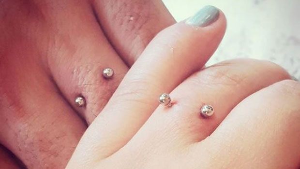 finger-piercing-photo