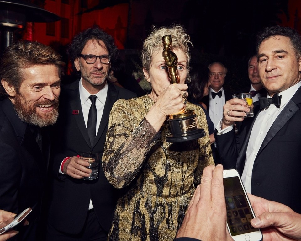 Oscar 2018: See Who Tried To Steal Frances McDormand's Oscar + All Winners in 1 Picture (INFOGRAPHIC)