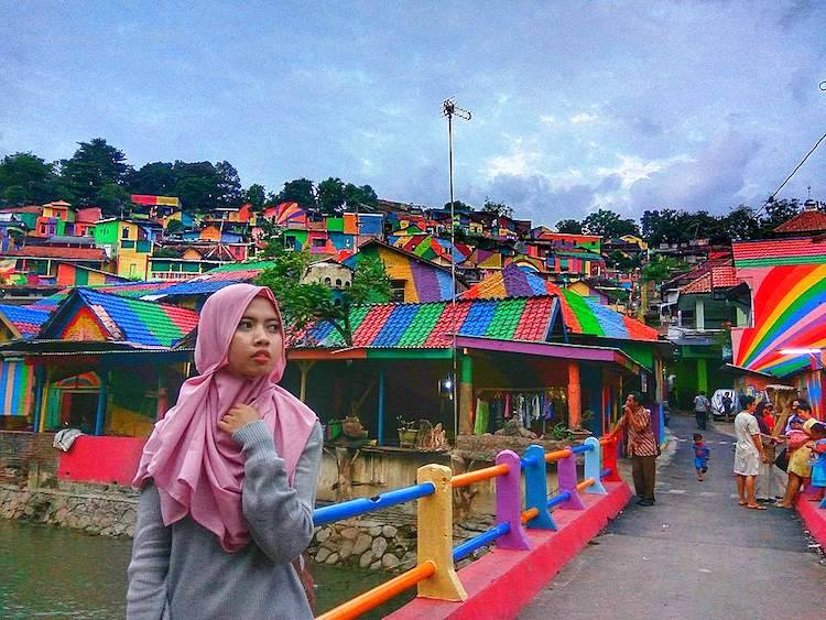 rainbow-colored-village-pic