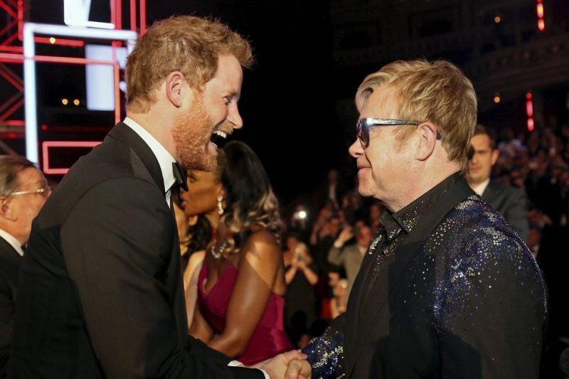 royal-wedding-guest-list-elton-john-photo