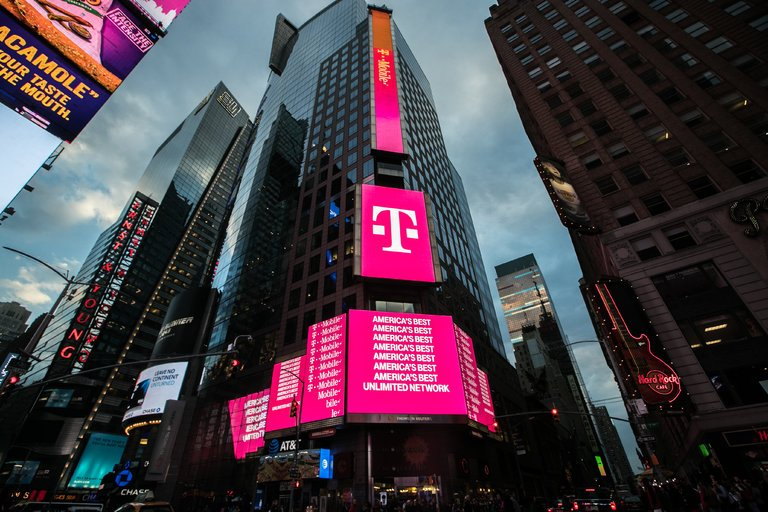 t-mobile-deal-photo