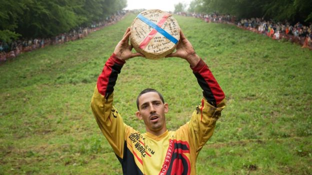 Cooper-Hill-Cheese-Rolling-2018-photo