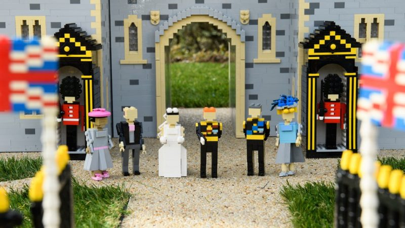 royal-wedding-lego-photo