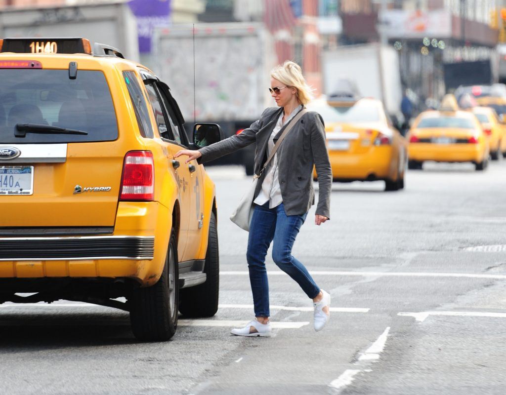 taxi-tips-woman-photo