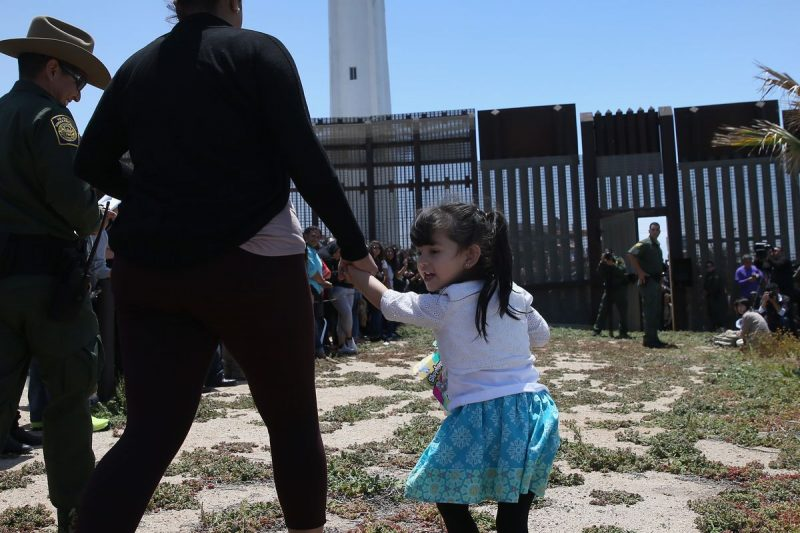 border-migrants-family-separation-photo