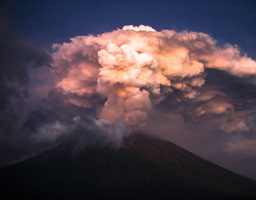 bali-volcano-eruption-photo