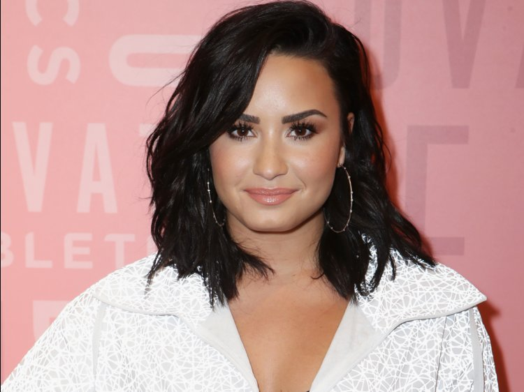 Demi Lovato Hospitalized Due to Drug Overdose, Leaked Trump-Cohen Tape + 4 More HOT News to Know About World (WED)