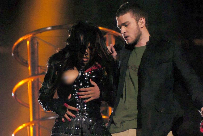 hot-celebritites-wardrobe-malfunction-pic5