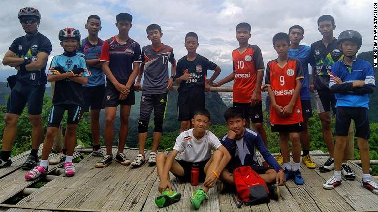 thai-soccer-teens-in-cave-photo