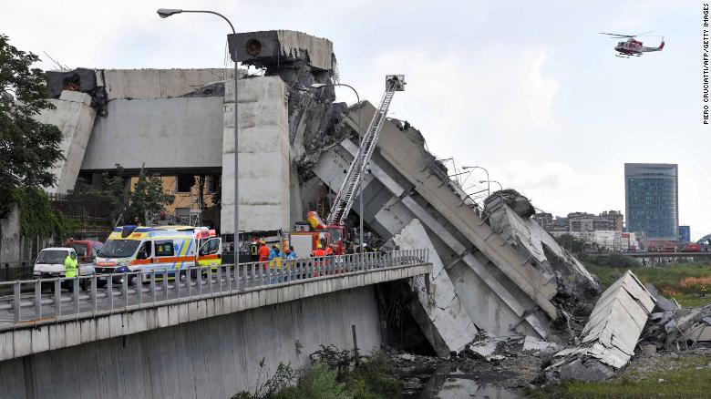 italy-bridge-collapse-genoa-photo
