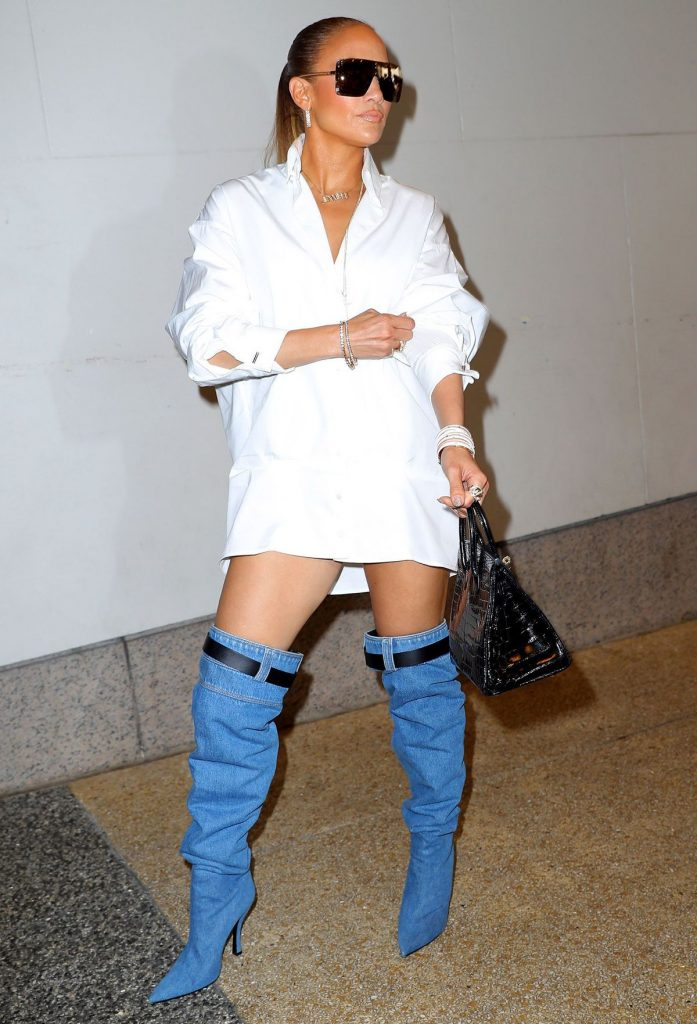 j-lo-ugly-denim-jeans-shoes-pic