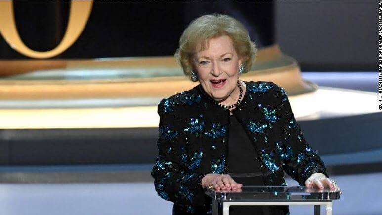 betty-white-red-dress-emmy-2018