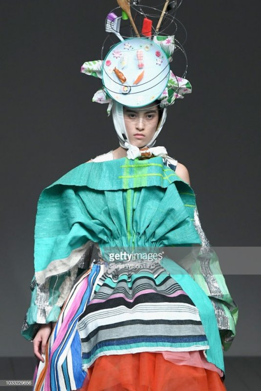 Weirdest-High-Fashion-Looks-photo