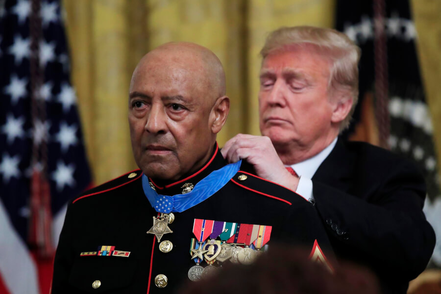 marine-veteran-trump-medal-of-honor-pic