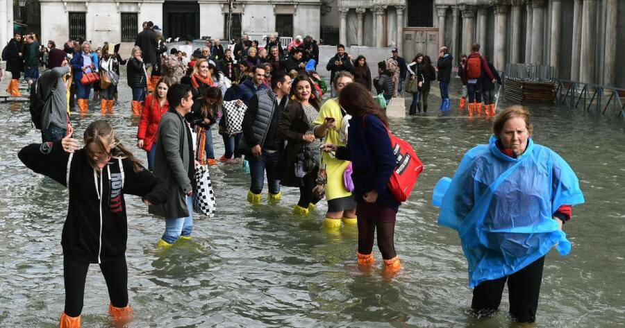 Venice Is Under 5 Feet of Water as the City Suffers Its Worst Floods in 22 Years (Pictures)