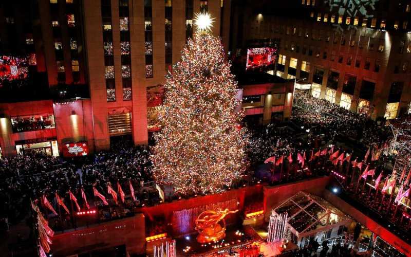 Rockefeller-Center-Christmas-tree-pics-min (1)