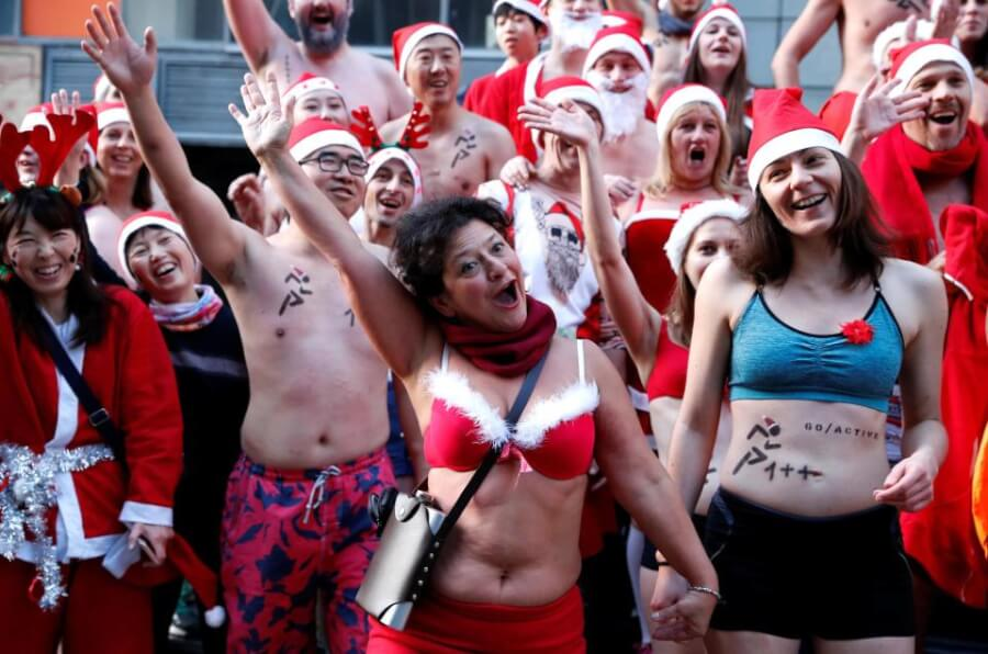 Naked Santa Run: People All Over the World Run Half-Naked to Raise Money for Charity!