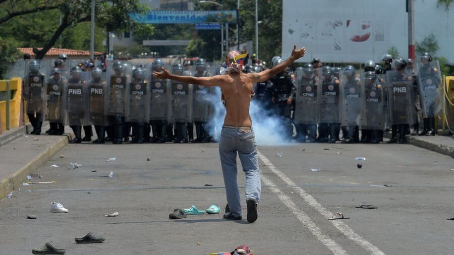 venezuela-colombia-border-crisis-protests-photo