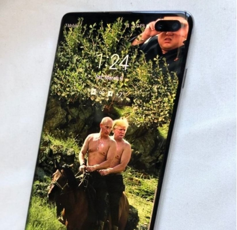 10 Genius Wallpapers To Hide The Front Camera In New Samsung Galaxy S10 Phones
