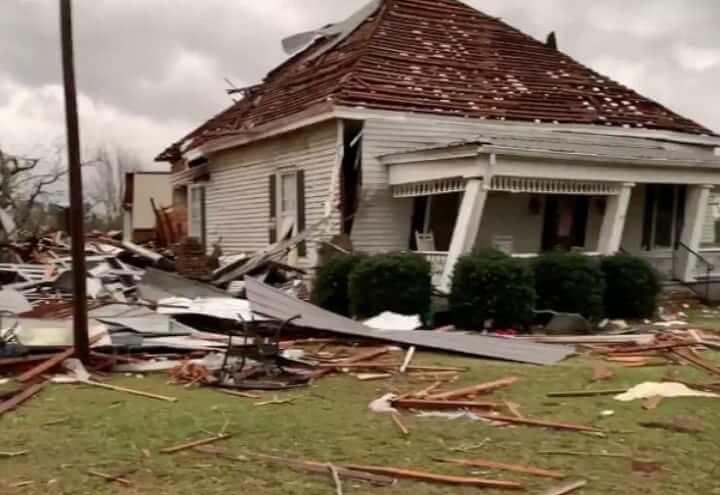 Deadliest in 6 Years Tornadoes Kill At Least 23 in Alabama, US - Death Toll Could Rise As Many People Remain Missing (Pictures)