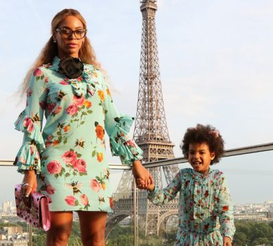 9 Adorable Pics of Celeb Moms and Daughters Wear Matching Outfits