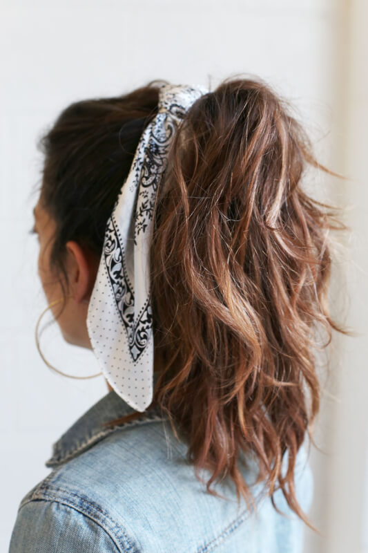 hair-trend-scarf-bows-ribbon-photo