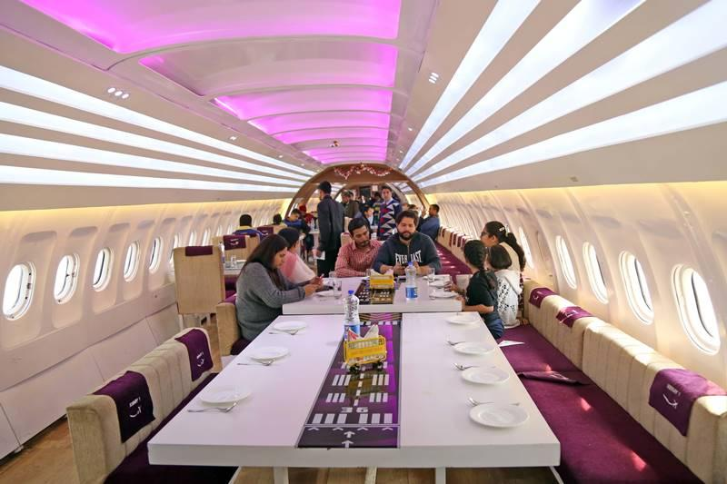 5 Incredible Restaurants Created In Real (Non-Working) Planes