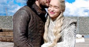 game-of-thrones-cast-saying-goodbye-pic