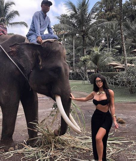 Girls on Bali Vacay, Kim Power Ranger + 7 More BEST Kardashian-Jenner Pics of Week