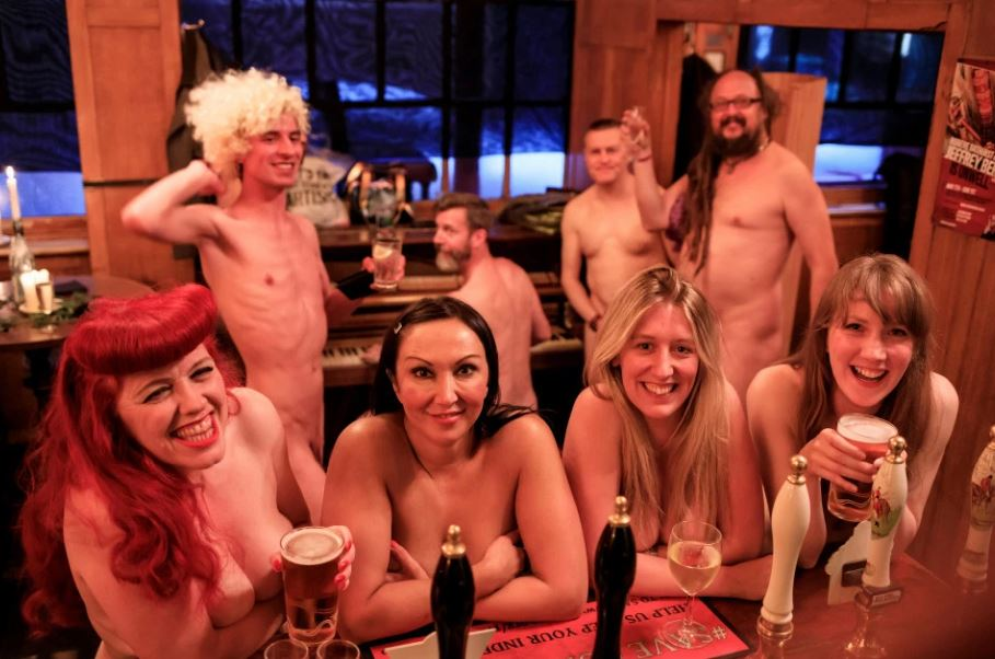 Ooh La La! Naked Singalong As a Regular Evening in London - Would You Try?