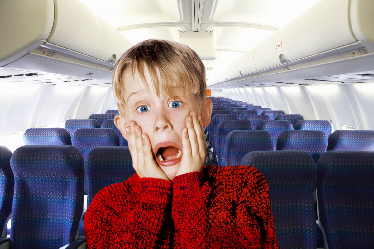 6 Crazy Things Happening During Flight – Woman Woke Up to Find She