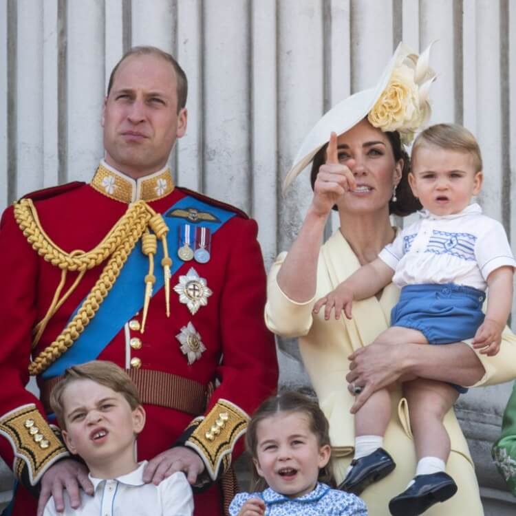 queen-elizabeth-birthday-2019-trooping-the-color-photo